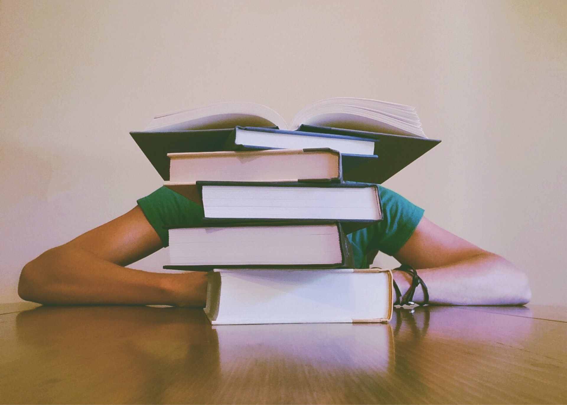 25 Books and Blogs that Successful Entrepreneurs Think You Should Read