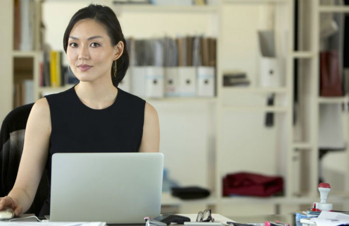 Tips for women entrepreneurs to manage the business and study smart